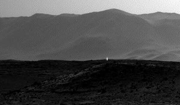 A mysterious light (zoomed).