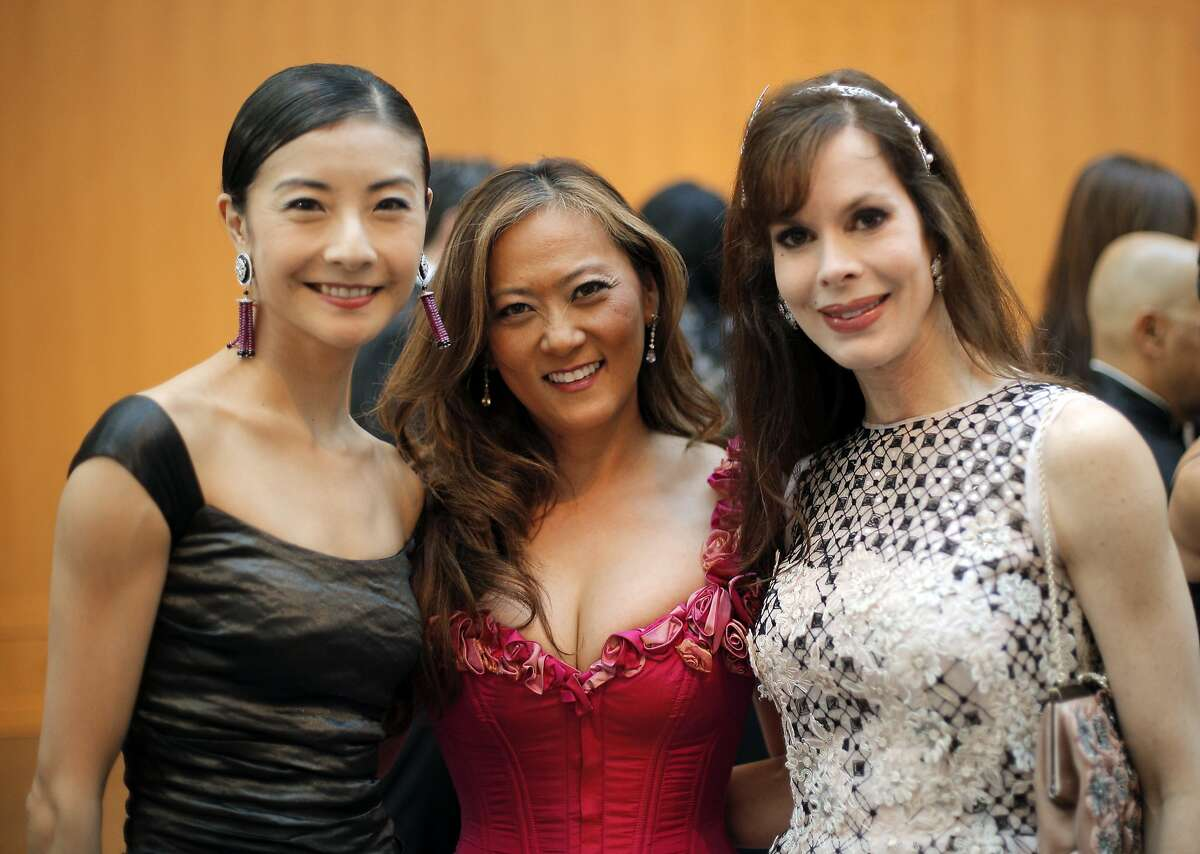L-R, Yuanyuan Tan, Elizabeth Fullerton and Stephanie Marber at a gala dinner party for the new exhibit,