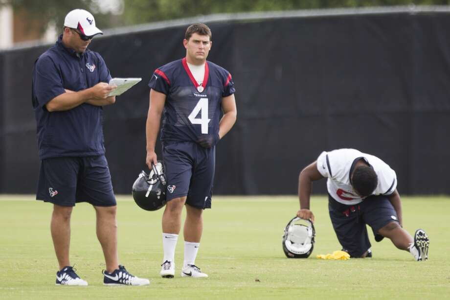 Texans kicker Randy Bullock (4) stands on the practice field. Photo: Brett Coomer, Houston Chronicle