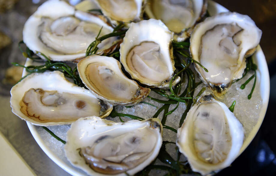 The Centers for Disease Control and Prevention is reminding recreational shellfish gatherers to be aware of toxins and bacteria that could be lurking inside the popular summer food. Photo: Christian Abraham / Connecticut Post