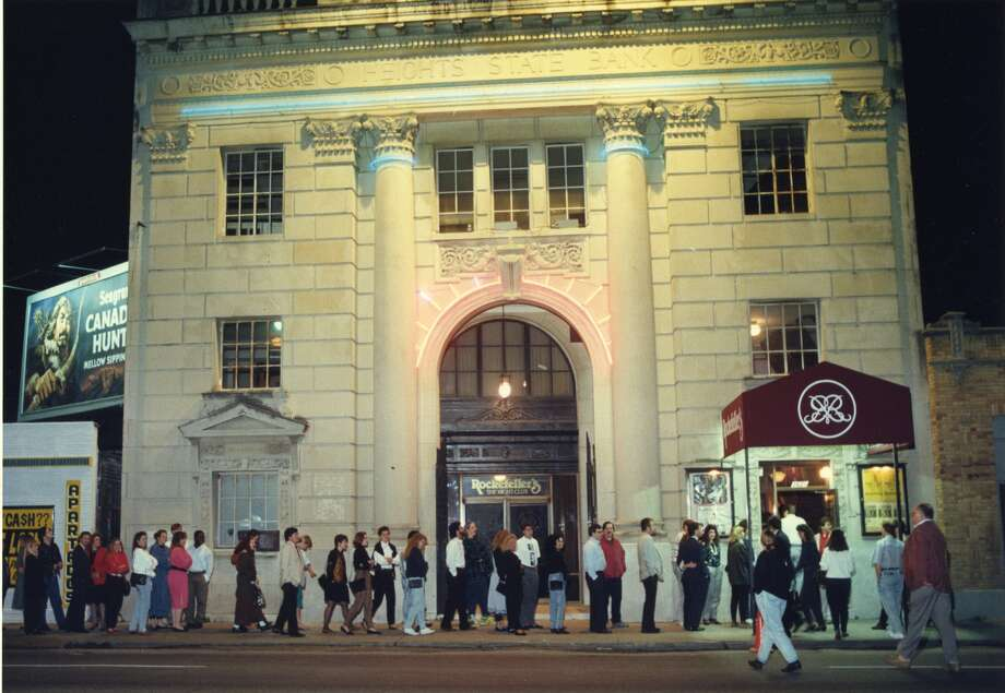 People line up to get into Rockefeller's at 3620 Washington Avenue in 1990. (Jerry Click / Houston Post)