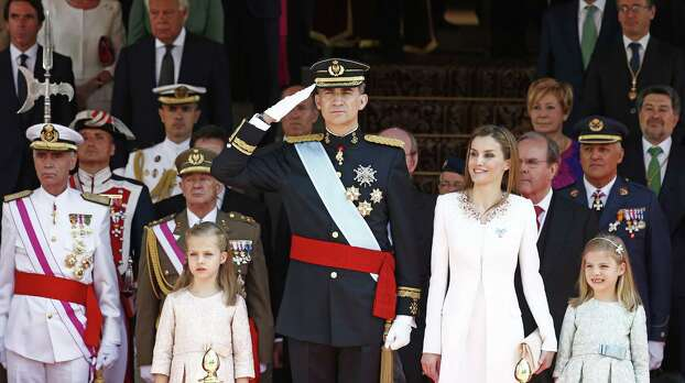 MADRID, SPAIN - JUNE 19:  King Felipe VI of Spain and Queen Letizia of Spain with daughters  Princess Leonor,  Princess of Asturias (L) and Princess Sofia (R) leave the Congress of Deputies during the King's official coronation ceremony on June 19, 2014 in Madrid, Spain. The coronation of King Felipe VI is held in Madrid. His father, the former King Juan Carlos of Spain abdicated on June 2nd after a 39 year reign. The new King is joined by his wife Queen Letizia of Spain.  (Photo by Andreas Rentz/Getty Images) *** BESTPIX *** Photo: Andreas Rentz, Getty Images / 2014 Getty Images