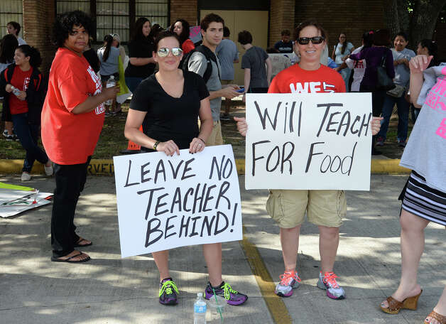Photo taken after the canceling of two Beaumont Independent School District meetings Thursday night. Guests attending the meeting continued to protest in the parking lot after the cancelation. Guiseppe Barranco/@spotnewsshooter Photo: Guiseppe Barranco, Photo Editor