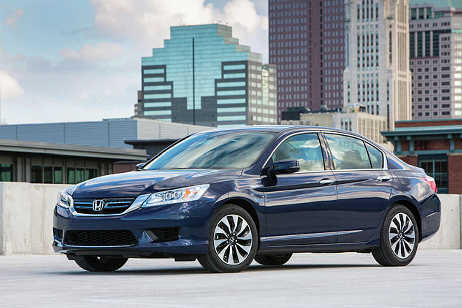 2014 Honda Accord Hybrid Touring (photo Courtesy Honda) Photo: Honda / ©  2013