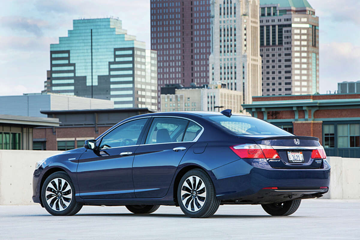 2014 Honda Accord Hybrid Touring (photo courtesy Honda)