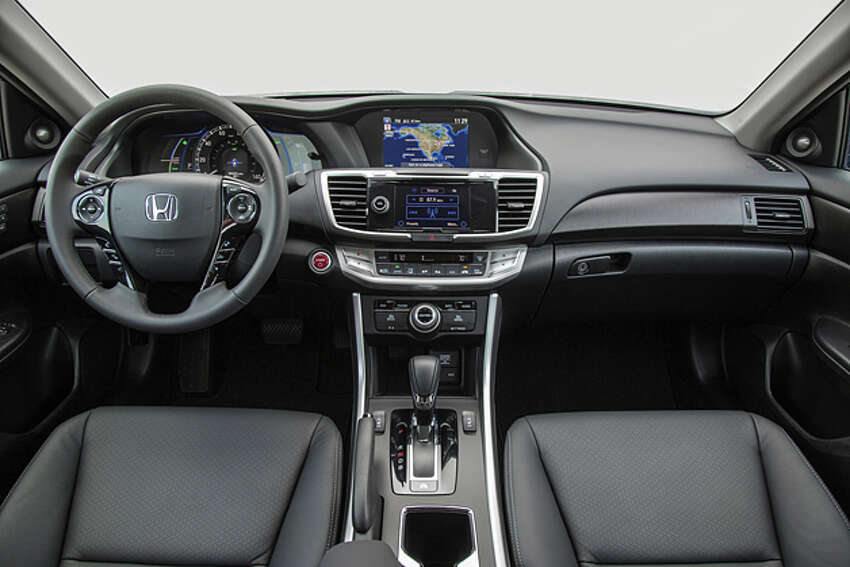 2014 Honda Accord Hybrid Touring (photo courtesy Honda)