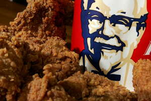 KFC comes under fire after customer allegedly finds lung inside fried chicken - Photo
