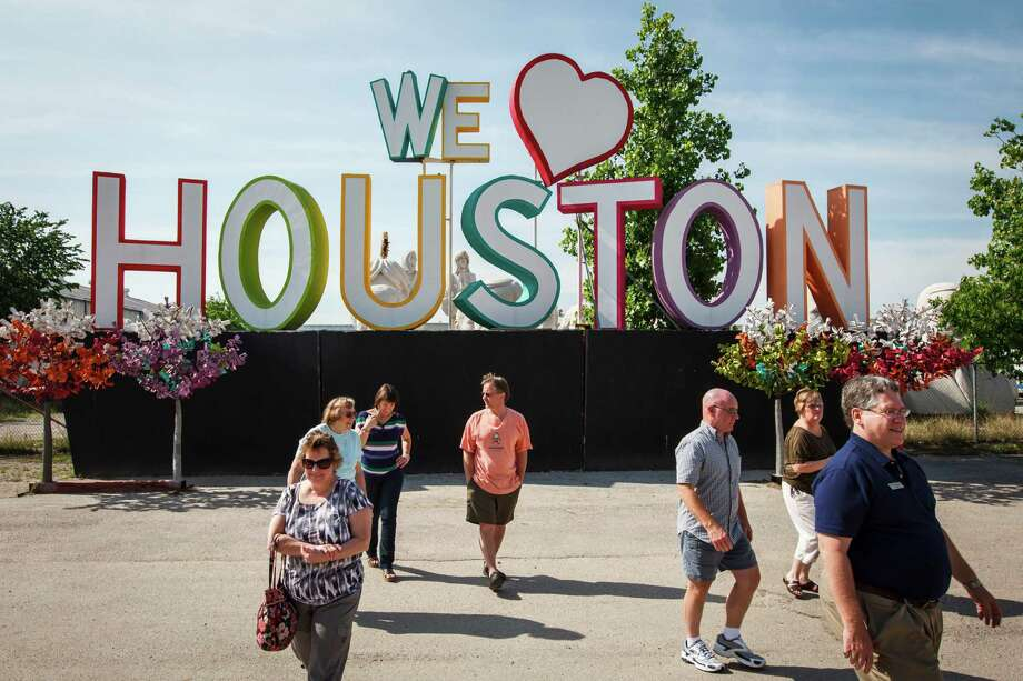 HoustonHouston is very close to the national average when it comes to cost of living - prices are about 0.7 percent higher than the national average. $100,000 feels like $99,304 Photo: Michael Paulsen, Staff / © 2012 Houston Chronicle