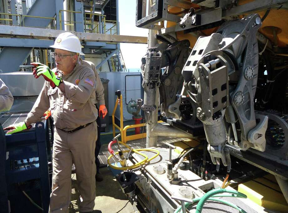 Shell operations manager David Loeb explains how the Noble Bully I's remotely operated underwater vehicle works. Photo: Ryan Holeywell / Houston Chronicle