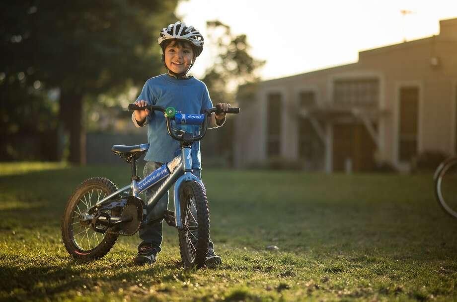 Kian McQuaid Co, 5, enjoys practicing cyclocross skills at Berkeley's Strawberry Park Photo: Karl Nielsen