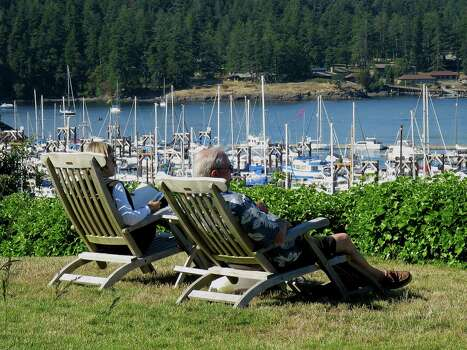 It's easy to while away an afternoon on the harborfront lawn of the Bluff Restaurant in Friday Harbor. Photo: San Juan Islands Visitors Bureau