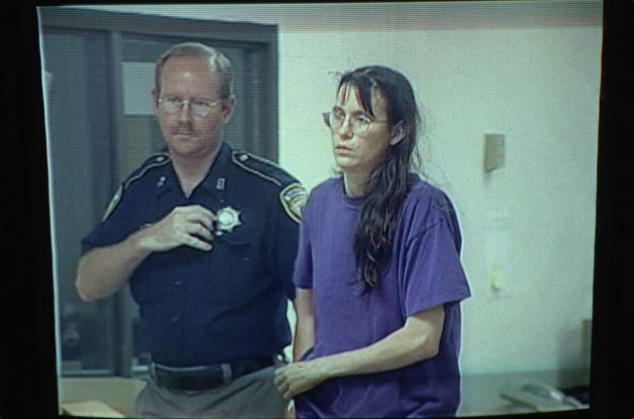 Copy from Channel 11 (KHOU) video of Andrea Yates during initial court appearance early morning on Thursday, June 21, 2001.  Photo: Don Hirsch/KHOU, KHOU-TV (Channel 11) / handout