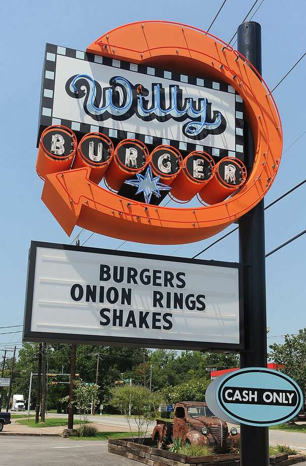 BURGER: Willy Burger, 5535 Calder Avenue, Beaumont, (409) 892-3400. www.willy-burger.com Photo: Guiseppe Barranco, DH