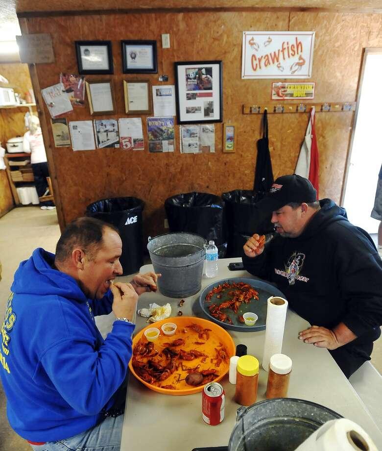 ATMOSPHERE/CRAWFISH: Juju's Cajun Crawfish Shak,18277 FM 365, Beaumont.(409) 794-2020 Photo: Jake Daniels, DH / ©2014 The Beaumont Enterprise/Jake Daniels