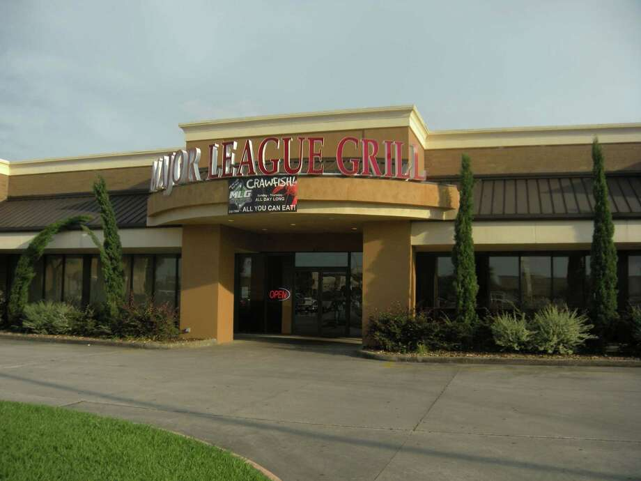 BAR/SPORTS BAR:Major League Grill,4430 Dowlen Road, Beaumont,(409) 898-7500.www.majorleaguegrill.com