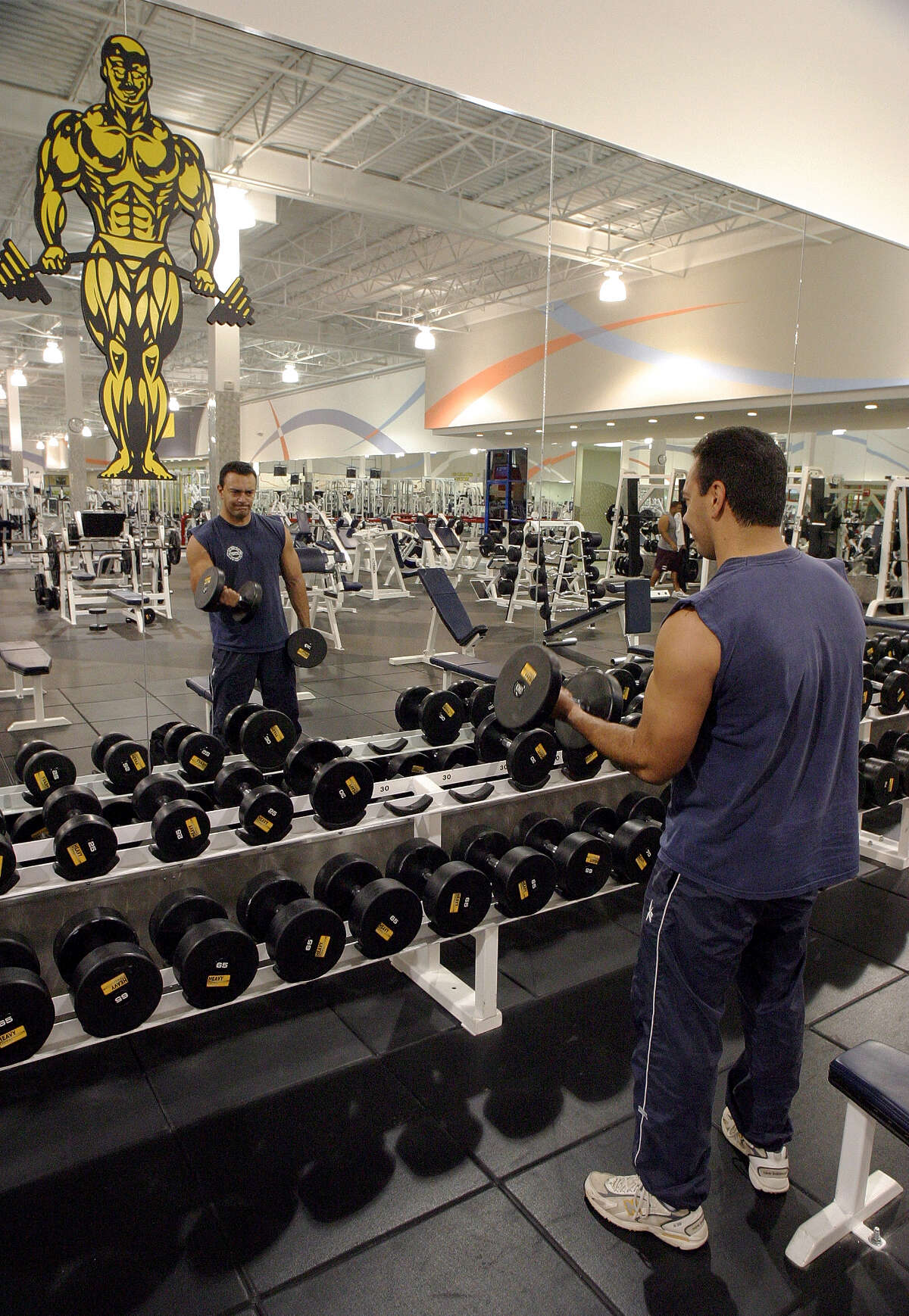 Free workout at Gold's Gym : It's a great way to get rid of the stress.