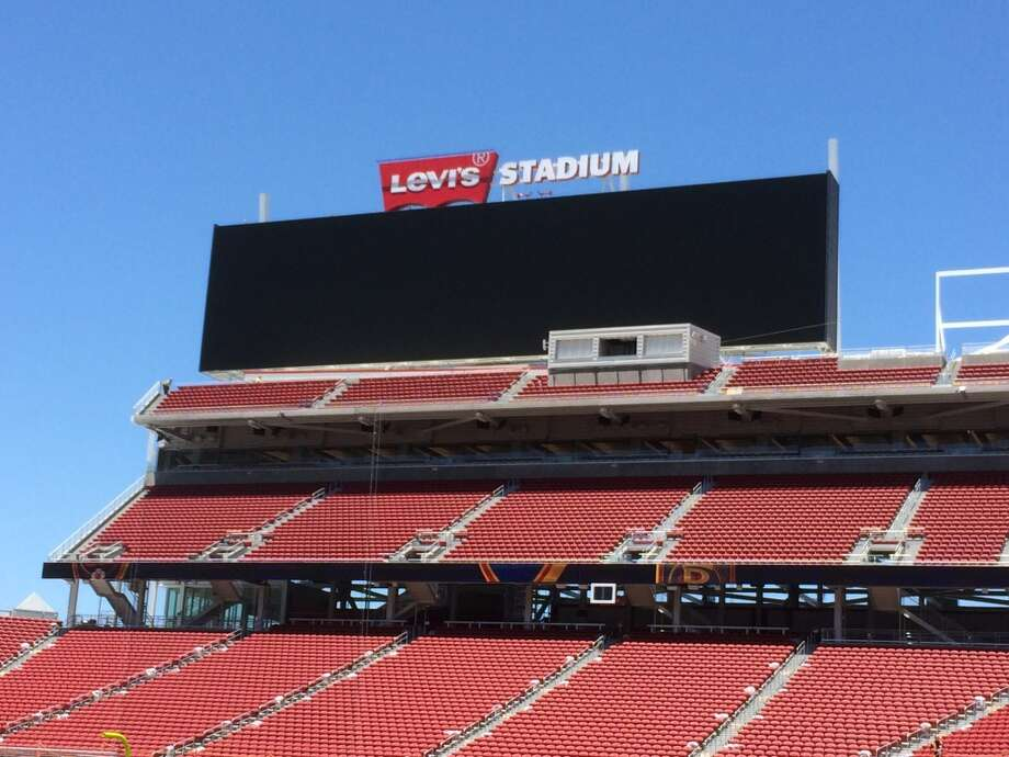 The Giant scoreboards at Levi's Stadium in Santa Clara measure 48-feet high by 200-feet wide. (Al Saracevic/San Francisco Chronicle)