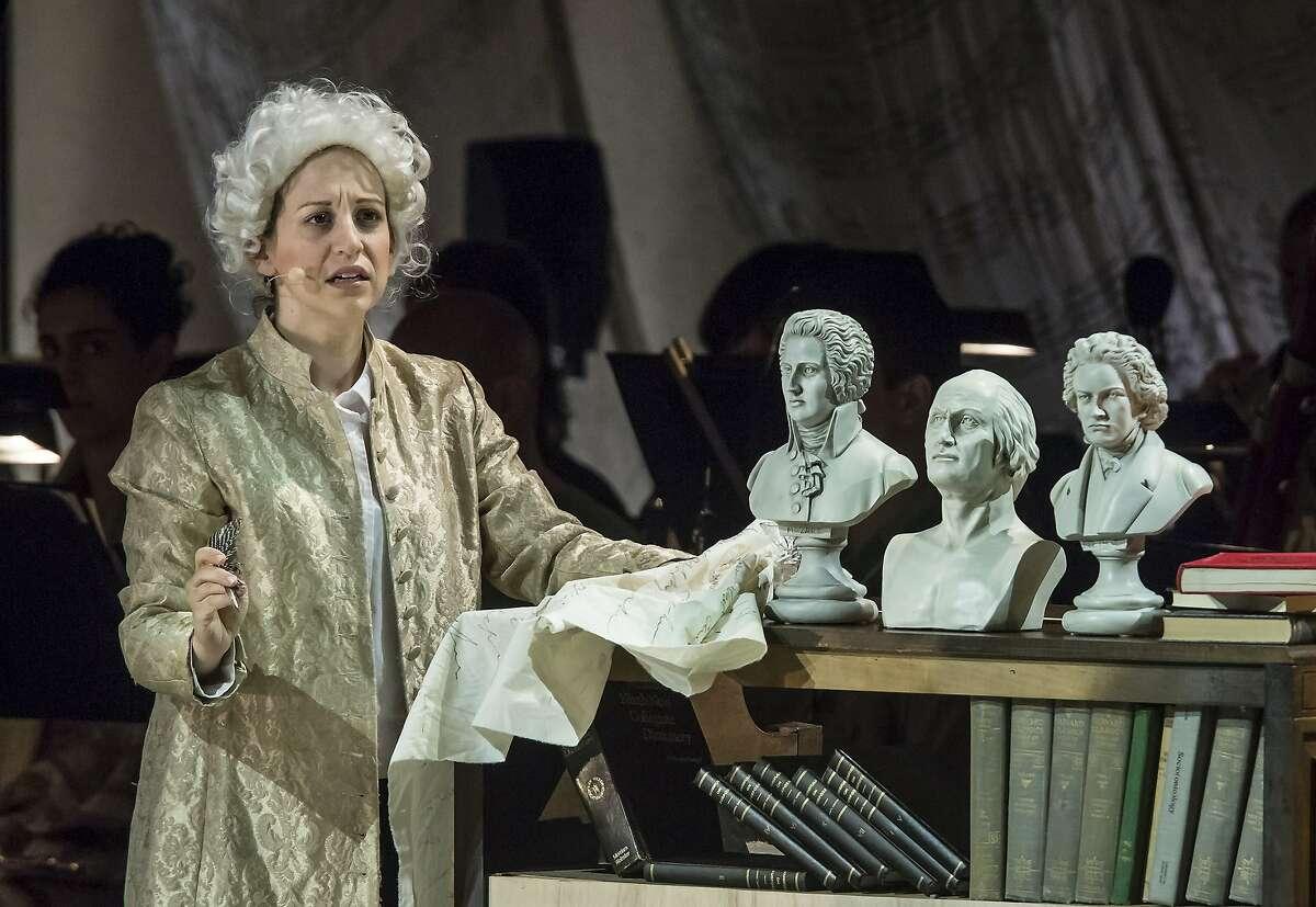 Soprano Jennifer Zetlan as Mozart in