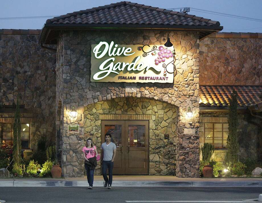 Same-store sales at the Olive Garden declined  3.4 percent for the 12 months ended May 25. Photo: Steve Helber, Associated Press