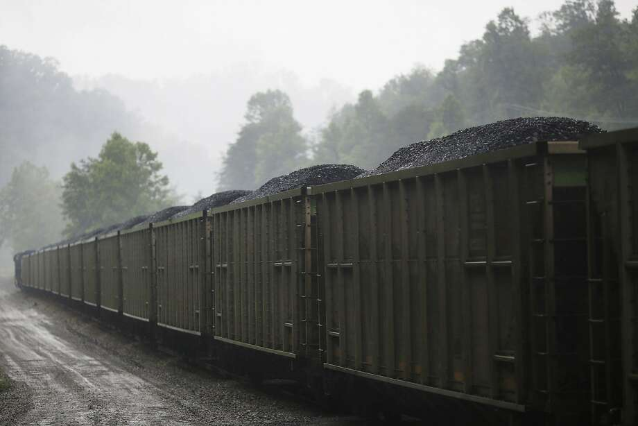 A loaded CSX Transportation coal train sits parked on a spur track at Blackhawk Mining, LLC Spurlock Prep Plant on June 3, 2014 in Printer, Kentucky. Photo: Luke Sharrett, Getty Images