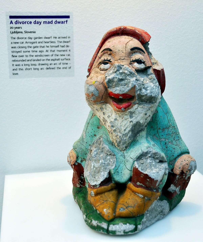 In a Croatian museum, broken objects symbolize broken relationships. CH11OctZagreb_018.JPG