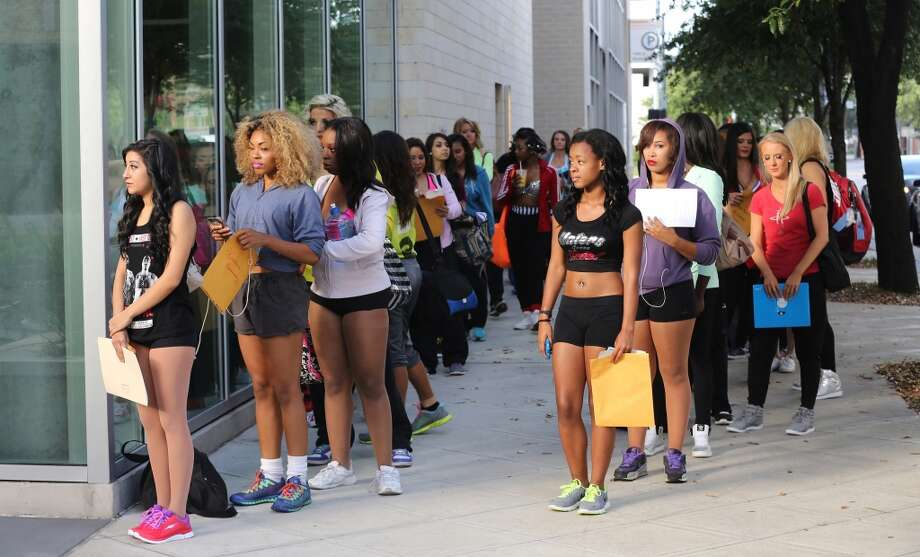 Ladies wait in line to register for the tryout. Photo: Thomas B. Shea, For The Chronicle