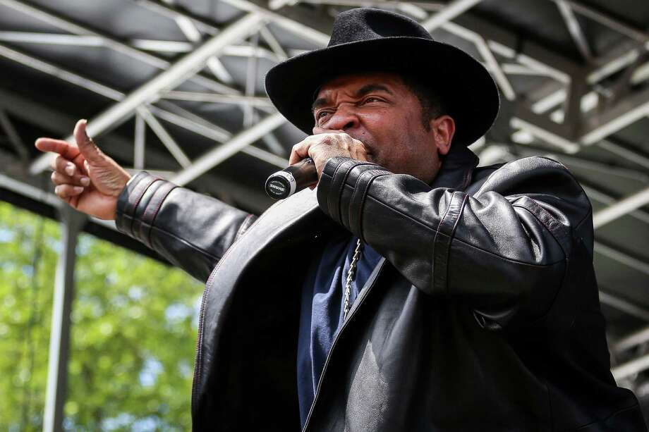 Sir-Mix-A-Lot performs. Photo: JOSHUA BESSEX, SEATTLEPI.COM / SEATTLEPI.COM