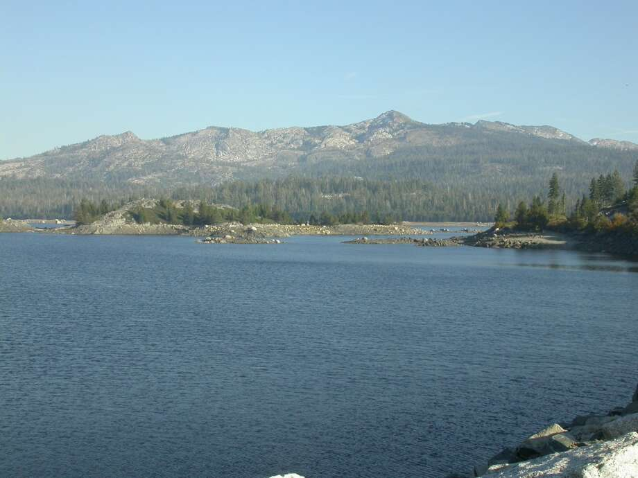 Loon Lake in the Crystal Basin backs up to the flank of Sierra Crest and Ellis Peak Photo: Tom Stienstra
