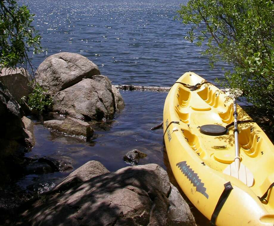 Put-in spot for kayak at Carr Lake only 40 feet from campsite Photo: Tom Stienstra