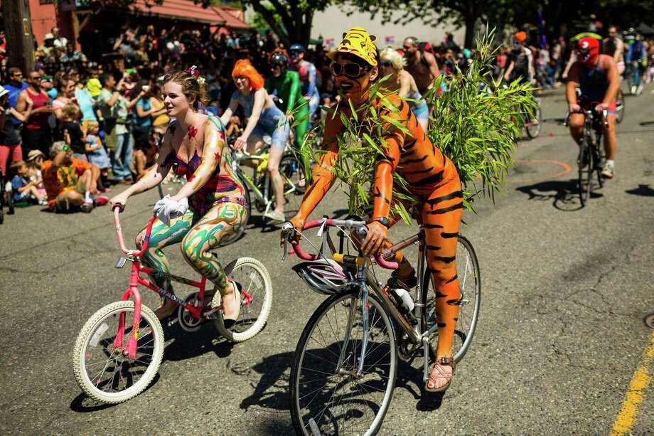 Masses of nude bicyclists took to the streets. Photo: JORDAN STEAD, SEATTLEPI.COM / SEATTLEPI.COM