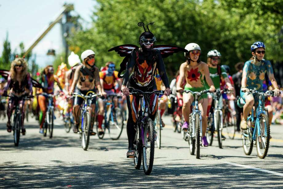 Masses of nude bicyclists took to the streets. Photo: JORDAN STEAD, SEATTLEPI.COM / SEATTLEPI.COM