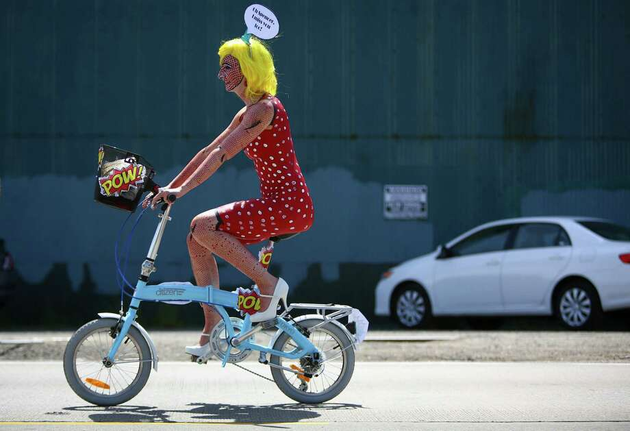 A painted cyclist makes her way from Ballard to Fremont. Photo: JOSHUA TRUJILLO, SEATTLEPI.COM / SEATTLEPI.COM