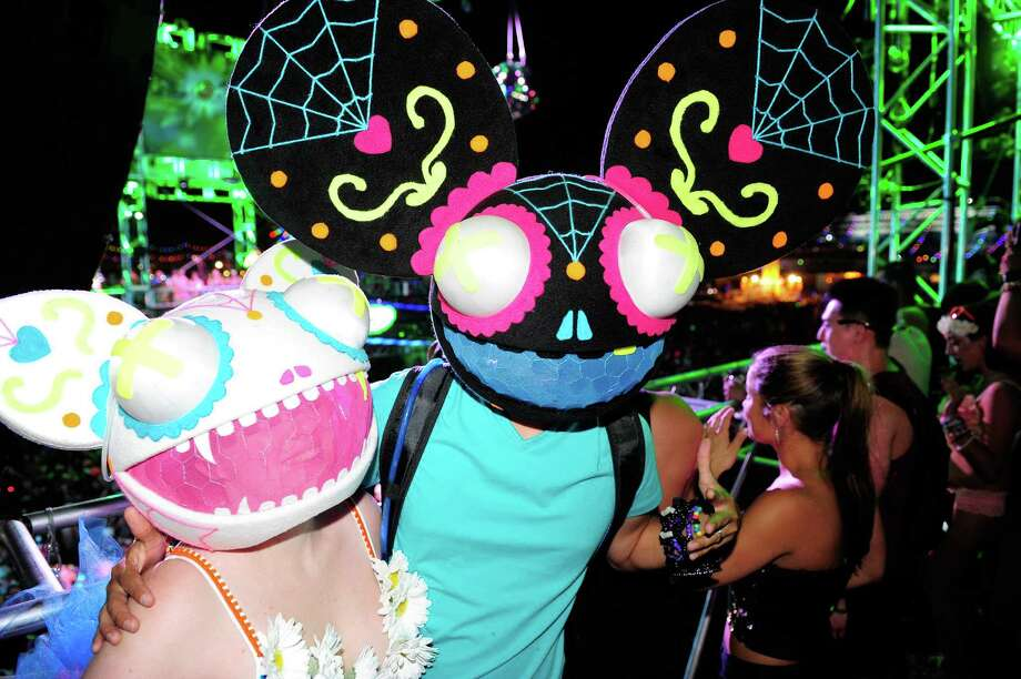LAS VEGAS, NV - JUNE 22:  Lisa Howard (L) and Ron Howard of New York pose at the 18th annual Electric Daisy Carnival at Las Vegas Motor Speedway on June 22, 2014 in Las Vegas, Nevada. Photo: Steven Lawton, Getty Images / 2014 Steven Lawton