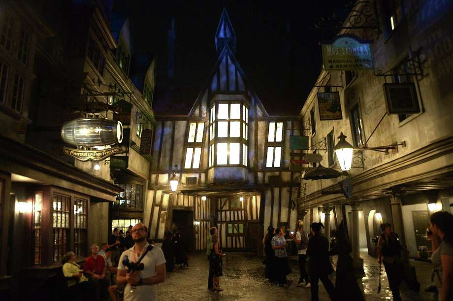The Wizarding World of Harry Potter - Diagon Alley Photo: Gustavo Caballero, Getty Images / 2014 Getty Images