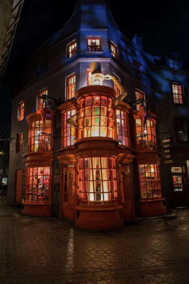 The Wizarding World of Harry Potter - Diagon Alley Photo: Handout, Getty Images / 2014 Universal Orlando Resort. All rights reserved.