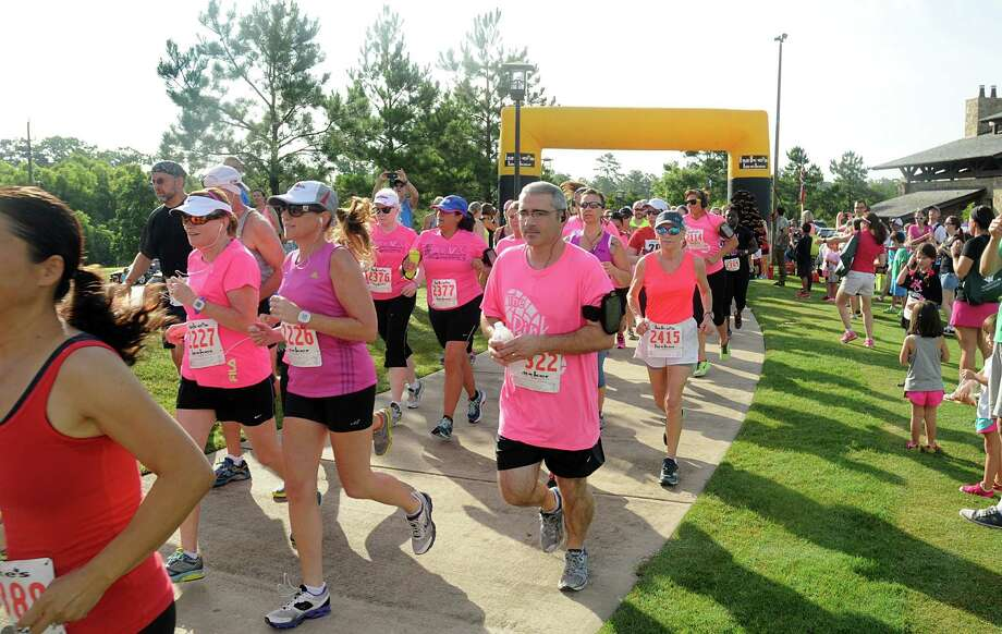 Runners start The Pink 5K walk/Run, against breast cancer, at Creekside Park in The Woodlands. The run will benefit the Breast Cancer Charities of America. Photograph by David Hopper Photo: David Hopper, For The Chronicle / freelance