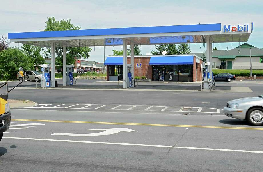 Stewart's wants to take over the Mobil station seen here on the corner of Balltown Road and Nott Street Monday, June 23, 2014 in Niskayuna, N.Y.  (Lori Van Buren / Times Union) Photo: Lori Van Buren / 00027483A