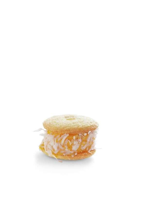 Good Housekeeping recipe for Coconut-Mango Ice Cream Sliders. Photo: Kate Mathis / ONLINE_YES