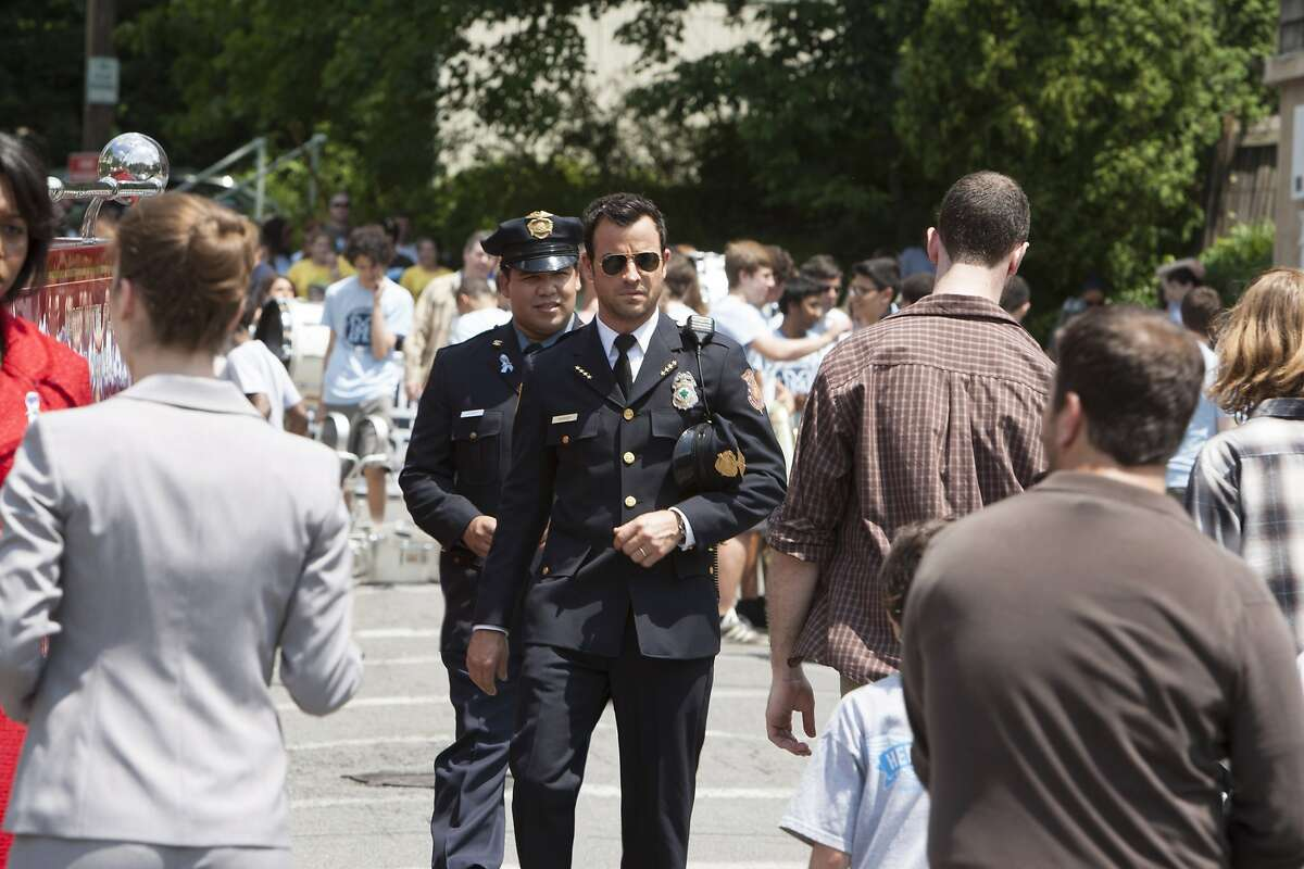 HBO Warner Brothers The Leftovers- Pilot 2013 Cast: Justin Theroux- Kevin Amanda Warren- Mayor Lucy Warburton Frank Harts- Officer Dennis Luckey