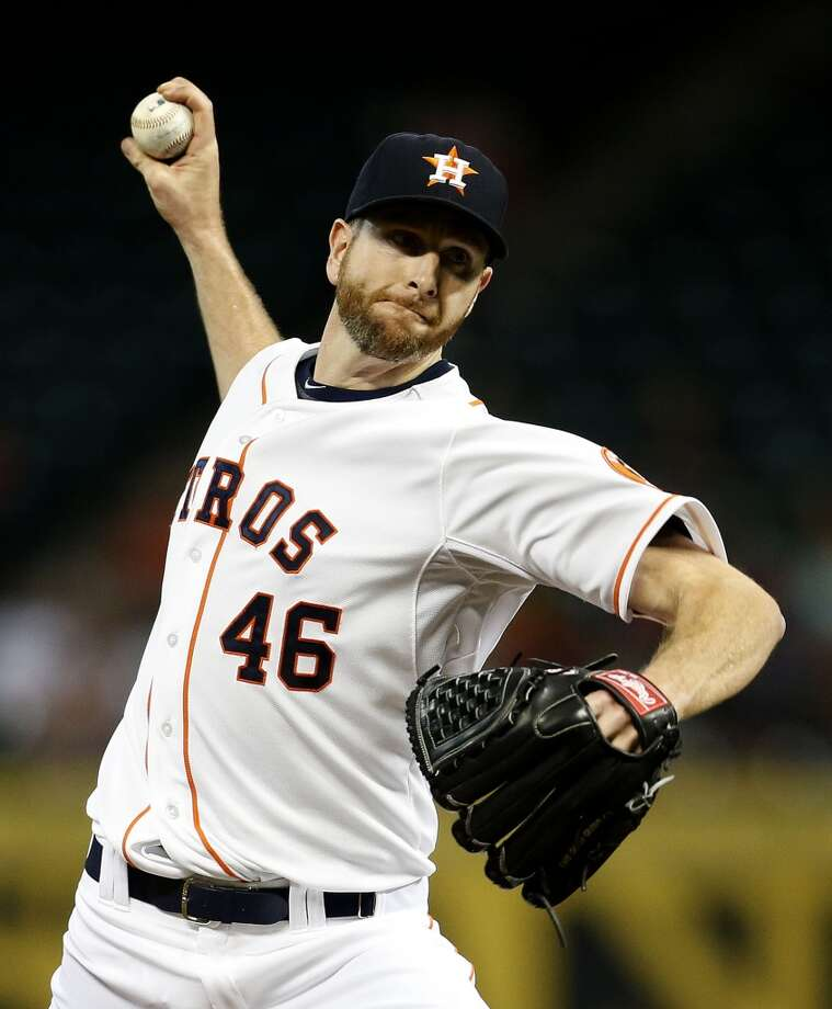Astros starting pitcher Scott Feldman (46) pitches. Photo: Karen Warren, Houston Chronicle