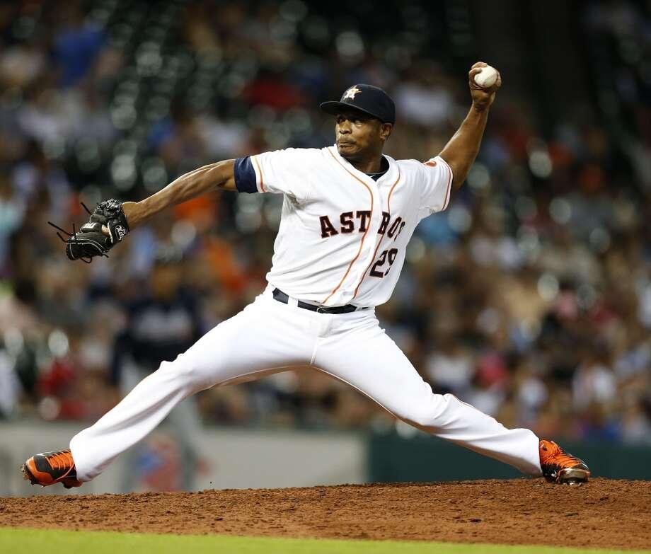 Astros relief pitcher Tony Sipp (29) pitches. Photo: Karen Warren, Houston Chronicle