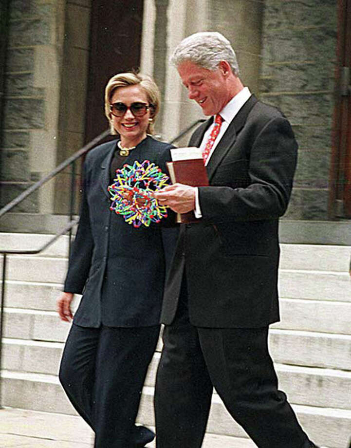 Sphere fanciers former President Bill Clinton and First Lady Hilary Clinton. Photo by Ron Sachs / SYGMA.