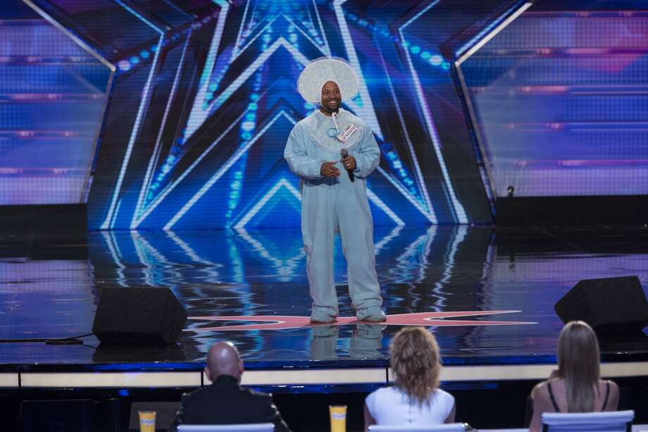 Aaron Field performs on 'America's Got Talent.'Photo by: Eric Liebowitz/NBC