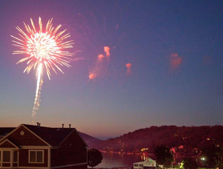The fireworks display over Candlewood Lake in Danbury will be held on Saturday, June 28 (rain date is June 29). Photo: Contributed Photo/ Guido Warneck, Contributed Photo