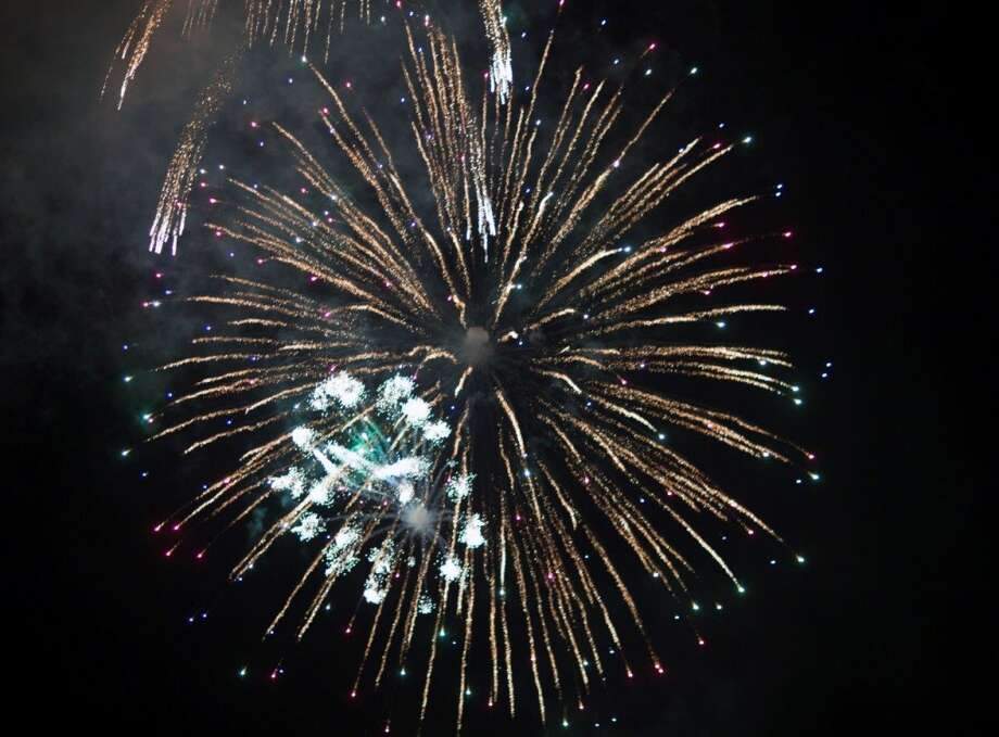 Wilton's Fireworks will be held at Wilton High School on Friday, July 4. Photo: Guido Warnecke