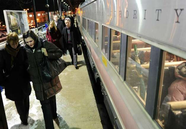 Metro-North passengers get off at the Fairfield Train Station Thursday Jan. 28, 2010. Photo: Autumn Driscoll / Connecticut Post