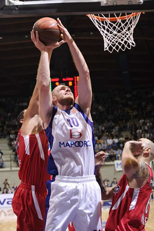 14. Maarty Leunen, forward, 54th pick in 2008After one promising summer league stint with the Rockets as a range-shooting power forward, Leunen built a solid career in Italy. A late pick out of Oregon as a range-shooting power forward, Leunen never figured prominently in the Rockets' plans. Photo: Giulio Ciamillo, Getty Images