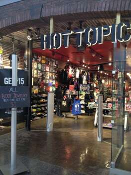 Hot Topic Accepts Tanf Payments Photo Wikimedia Commons