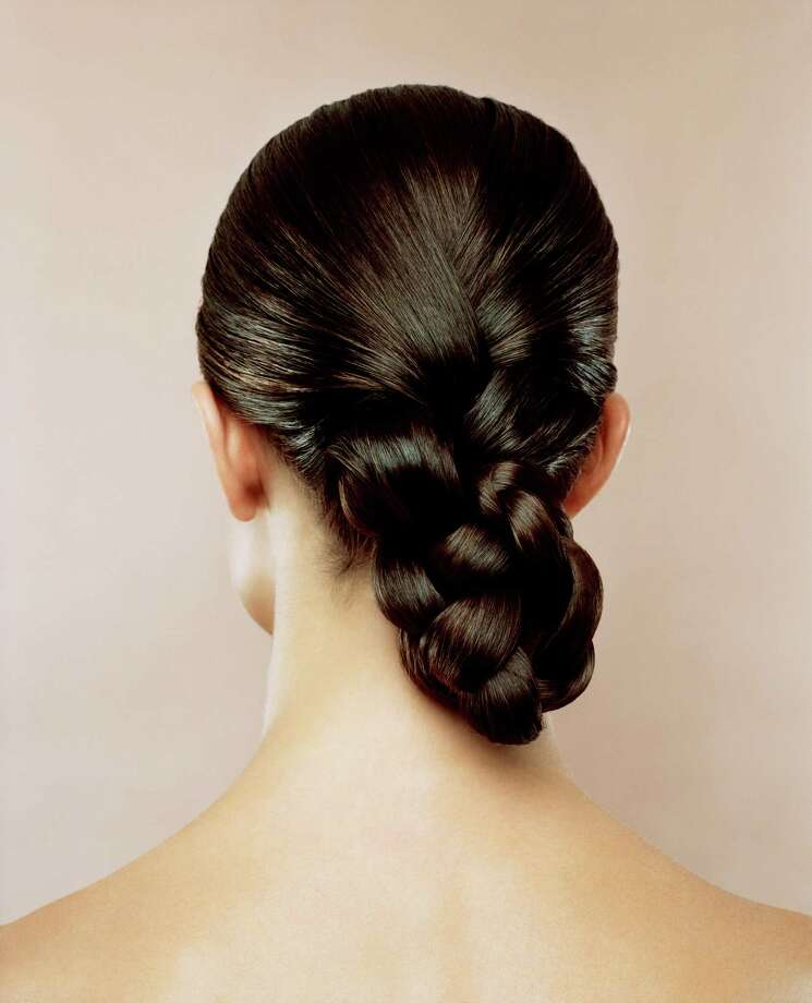The braided bunIt is a super easy look that adds a nice flair to the regular bun.  Photo: Andreas Kuehn, Getty / (c) Andreas Kuehn