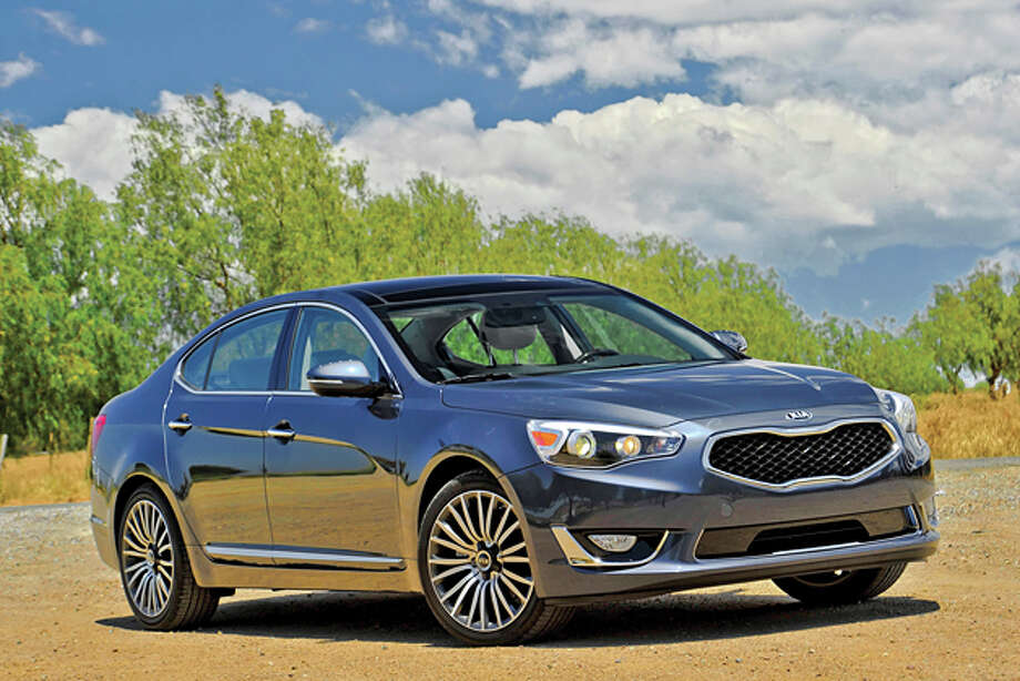 2014 Kia Cadenza (photo courtesy Kia)